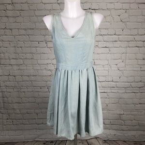 NWT Light Wash Denim Alya Dress Sz Small